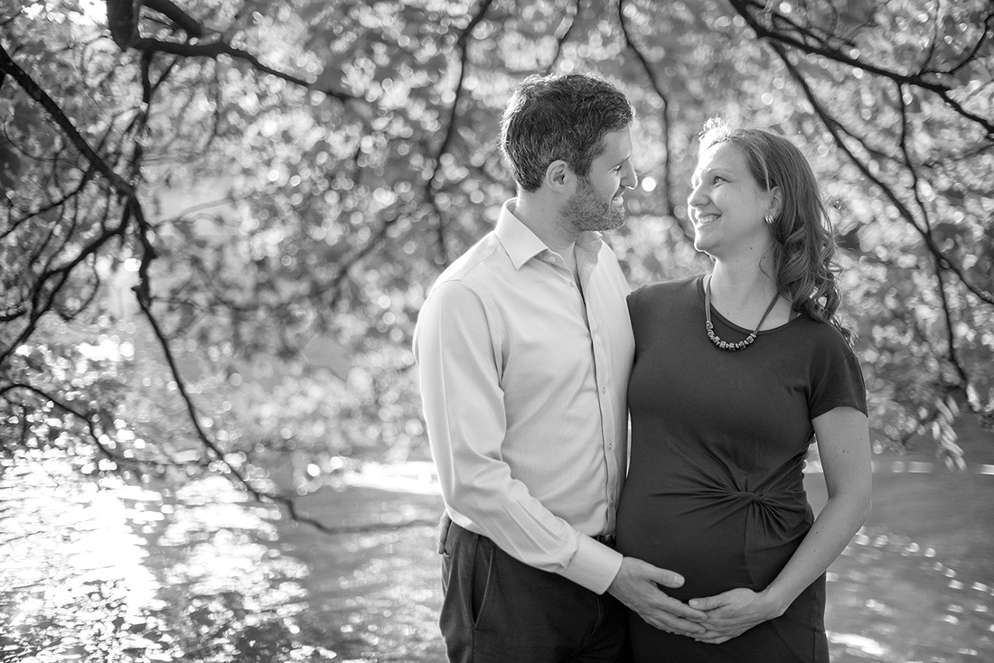 Maternity photo session in Brussels